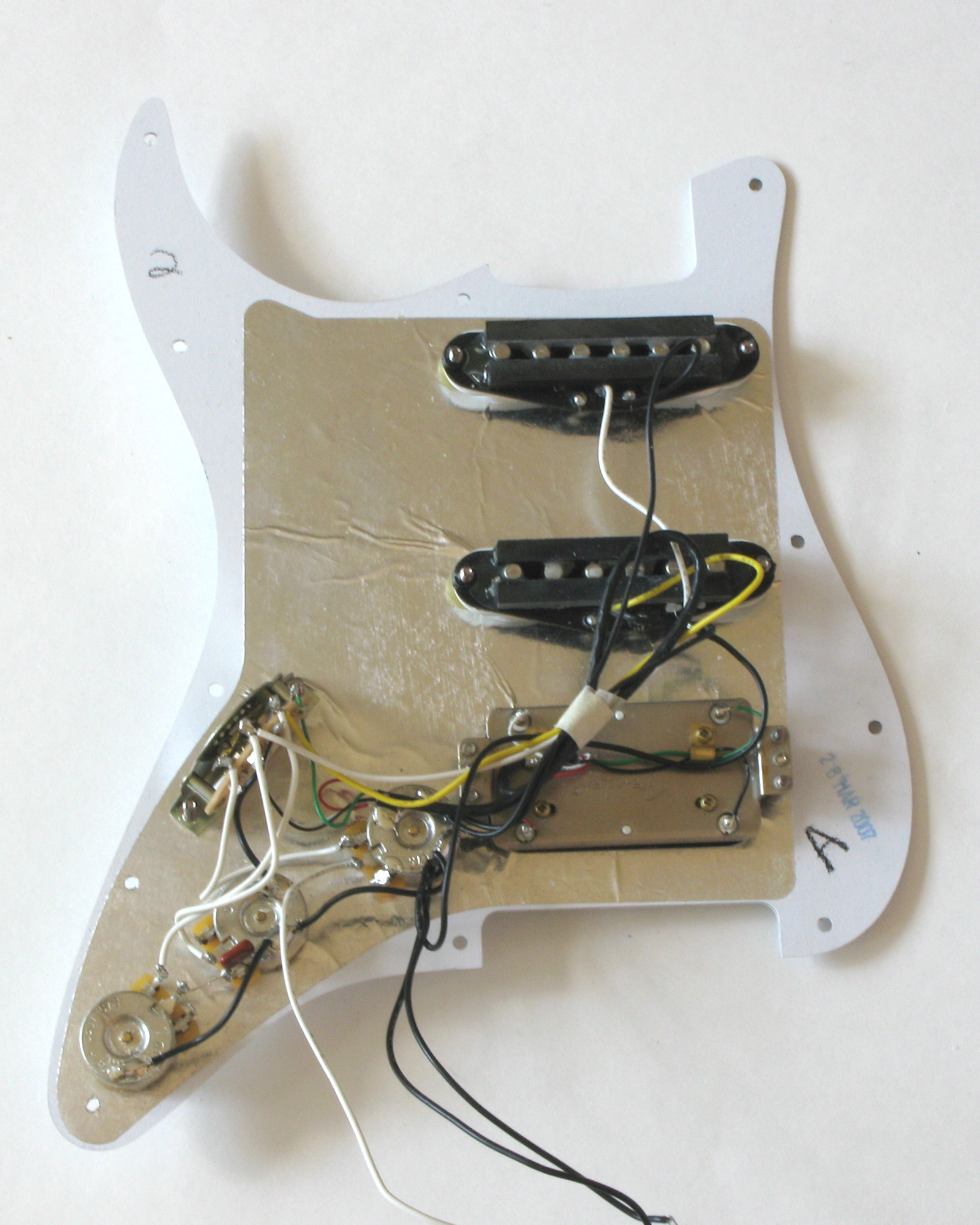 Fender Stratocaster Mexican Hss Pickguard Wiring Diagram - Fender Strat Wiring Diagram
